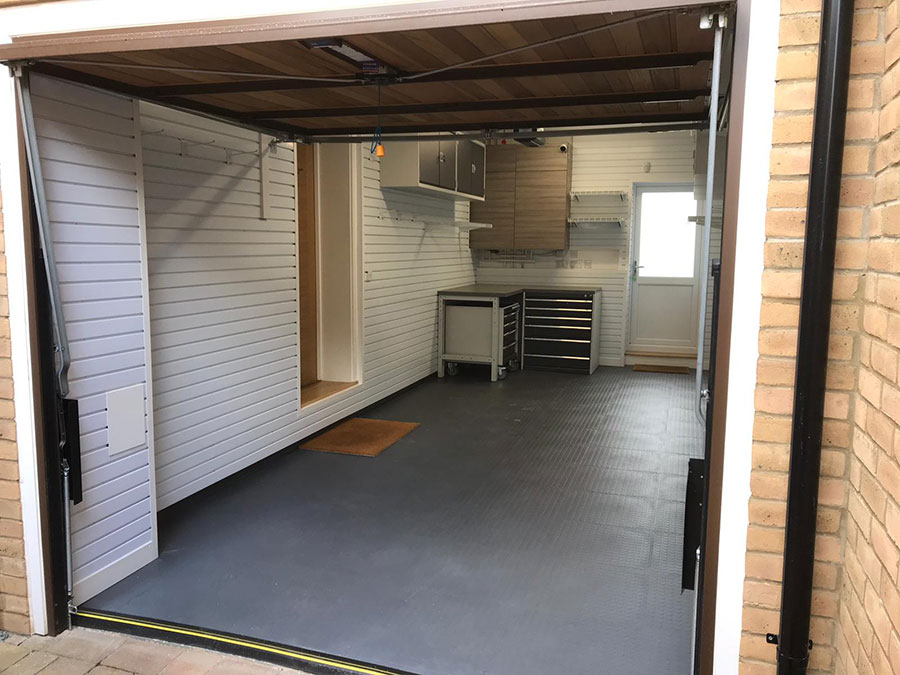 Single Garage Spruce-Up in Hampshire